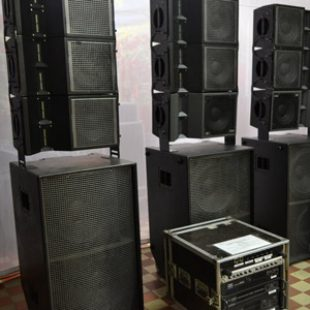 12 x Versarray 112 Line Array Cab, 600W RMS